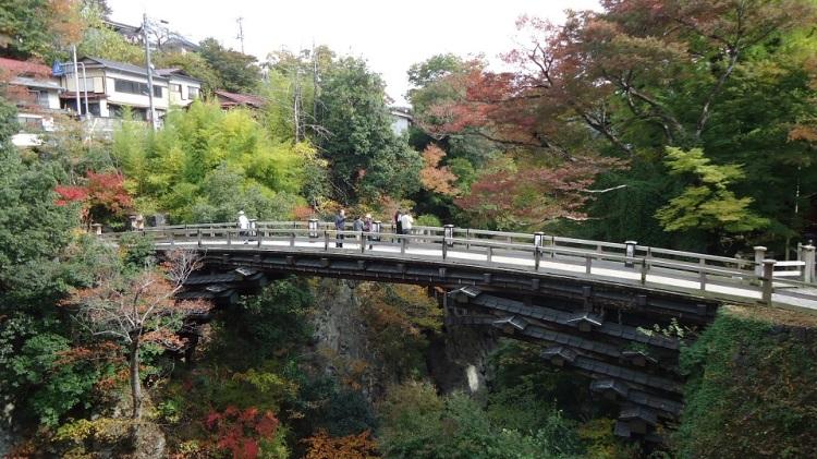 日本三奇橋のひとつである猿橋 このコース終盤のハイライトである